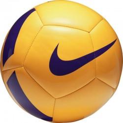 Míč Nike Pitch Team Football